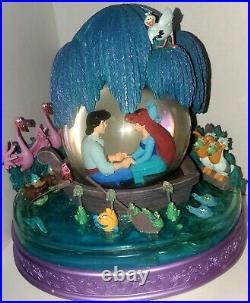 RARE Vintage Disney The Little Mermaid Kiss The Girl Musical Snow Globe